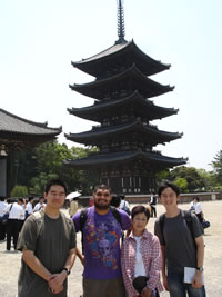 Lee,%20Jeffrey_Group%20Picture%20with%20our%20EGG%20guide%20in%20Nara%20in%20front%20of%20Kofukuji%20Pagoda